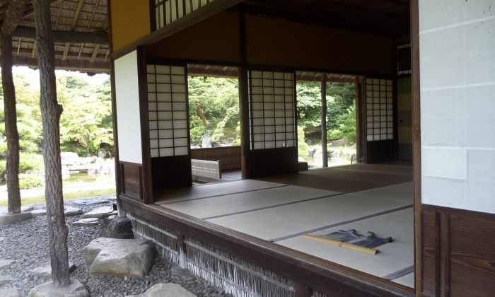 The structure of a traditional Japanese building facilitated air circulation, here the Shokin-tei tea house of Katsura Detached Villa in Kyoto. Photo: Carola Hein.